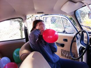 behind: ballons 02