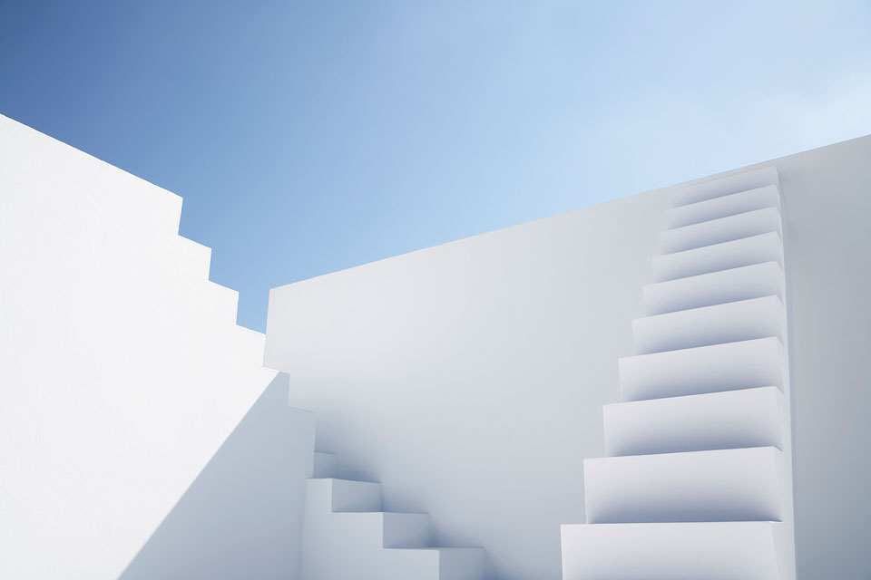 philipp_dimitri_photography-business-white-stairs-01