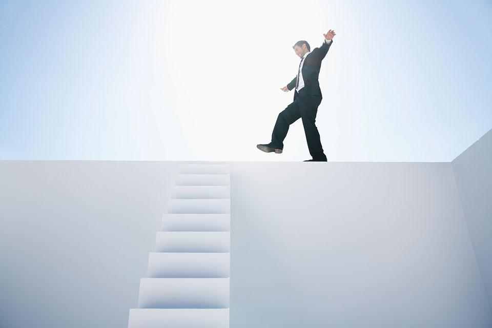 philipp_dimitri_photography-business-white-stairs-04