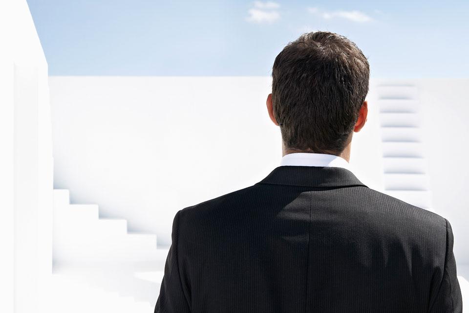philipp_dimitri_photography-business-white-stairs-06
